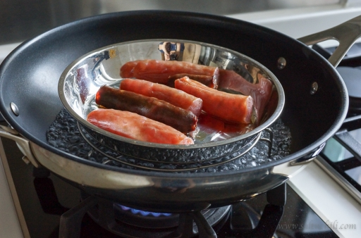 Steamed Chinese sausages