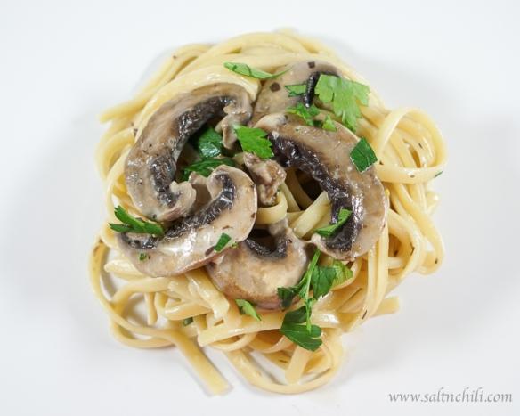 Linguine with Mushroom Cream Sauce